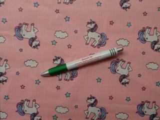 Gyerekmintás pamutvászon, rózsaszín alapon unikornisos (10716)