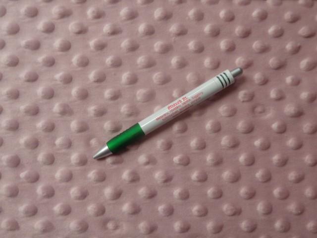 Mályva színű,  préselt mintás minky polár (10960)