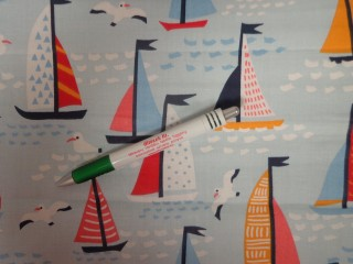 Gyerekmintás pamutvászon, világos kék alapon hajós, sirályos (11162)