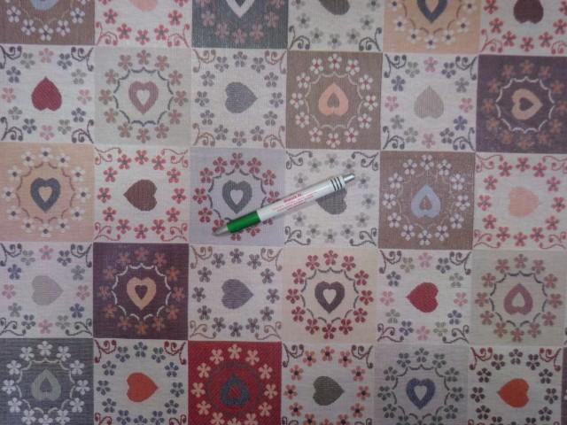 Viaszos vászon, szívecskés, patch-work mintás (11181)