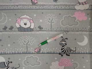 Gyerekmintás pamutvászon, szürke alapon rózsaszín felhős-macis (11193)