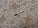 Loneta, drapp alapon horgolt csipke mintás, kerti bútor vászon (11624)