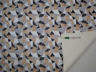 Mintás műbőr, drapp-fekete-fehér-szürke geometriai mintával (11687)