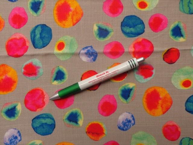 Mintás viszkóz, drapp alapon színes foltos (11810)