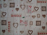 Viaszos vászon, deszkás alapon szívecskés (11952)