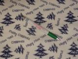 Karácsonyi mintás kevertszálas vászon, fehér alapon kék fenyőfás (12104)