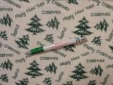 Karácsonyi mintás kevertszálas vászon, fehér alapon zöld fenyőfás (12103)