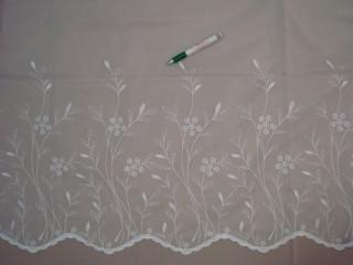 Fehér alapon fehér, hímzett levél - és virágmintás  fényáteresztő függöny, 145 cm magas (7328-1)