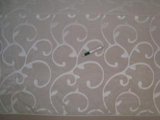 Ekrü alapon ekrü, indamintájú fényáteresztő függöny, 230 cm magas (7328-18)
