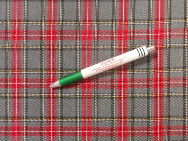 Skót kockás szövet, piros-szürke (12611)